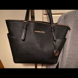 Micheal Kors tote